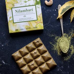 Шоколад Nilambari белый на кешью с чаем матча и мятой (65 г)