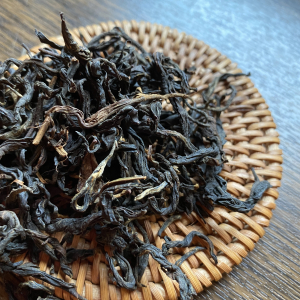 Фэн Цин Шай Хун (Высушеный на солнце красный чай из Фэн Цин)